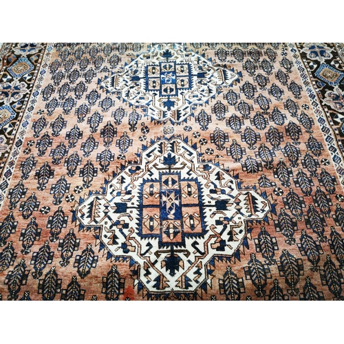 41 - Good quality hand knotted Persian rug {163 cm L x 140 cm W}....