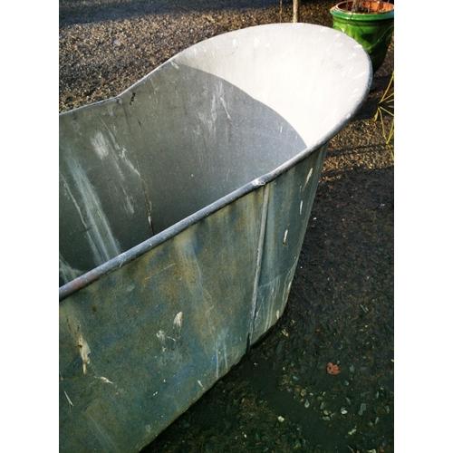 52 - Early 20th C. galvanised slipper bath {76 cm H x 146 cm W x 58 cm D}....