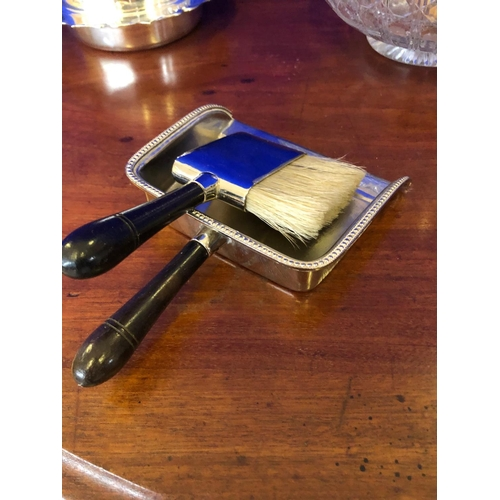 60 - Collection of 5 item including a salad bowl with servers and a crumb brush with pan....