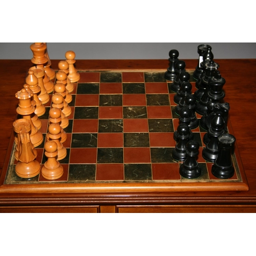 18 - Quality Italian made chess set complete with leathered top board 42cm W