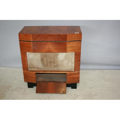 51 - Fidelity radio Art Deco cased radiogram 75 W x 80 H x 37 D
