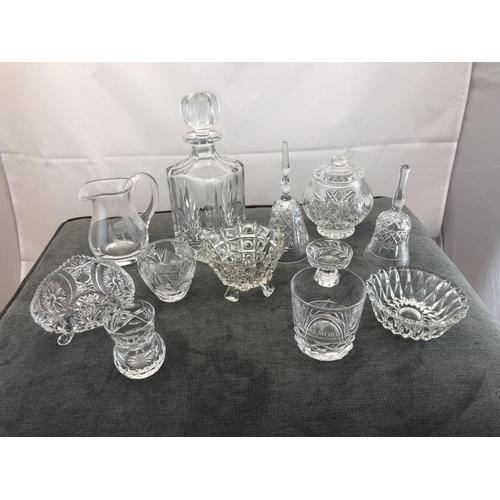 16 - box glassware...