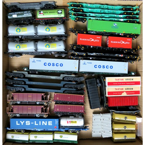 181 - BACHMANN / HORNBY  plus other manufacturers 00 gauge Rolling Stock comprising: Assorted Goods Wagons...