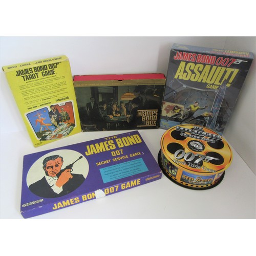 225 - JAMES BOND 007 related board games to include 1970's James Bond 007 Tarot Game, Spears Games 'The Ja...