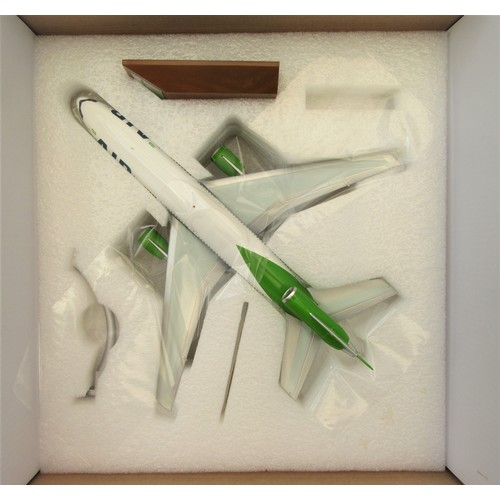 """4 - INFLIGHT 1:200TH scale McDonnell Douglas DC-10-30 """"JMC Airlines"""" and Airbus A350-900 """"Malaysia Airli..."""