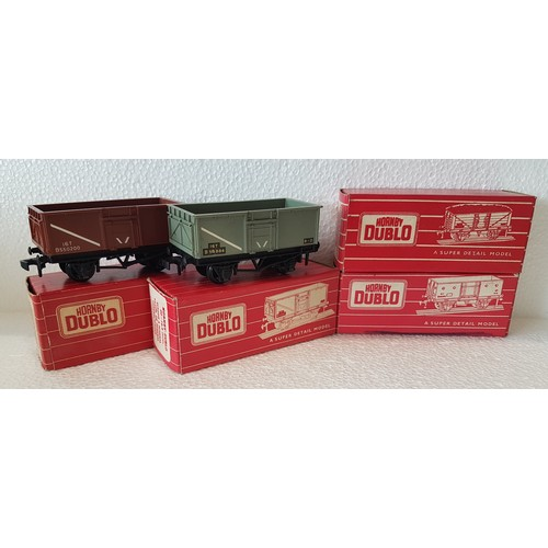 32 - HORNBY DUBLO Super Detailed Goods rolling stock. 4655 16 Ton Mineral Wagons x3 (1 with open brake ge...