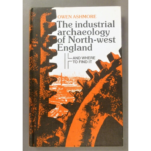24 - Manchester.- Industrial Revolution.- 32 vols on the Industrial Revolution in Manchester, in particul...