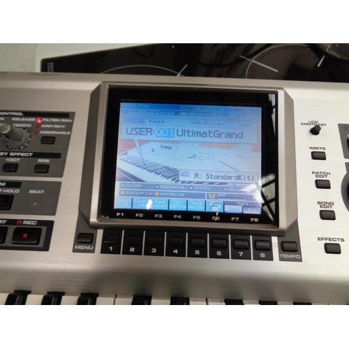 168 - Roland Fantom X7 Workstation Synthesizer - in good working order