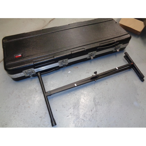 169 - Gator Flight Case & Stagg Keyboard Stand