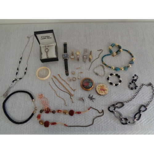 67 - Mixed Lot Of Jewellery & Watches