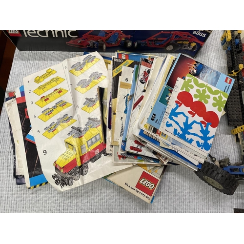 107 - LARGE LEGO COLLECTION & LEGO PLANS