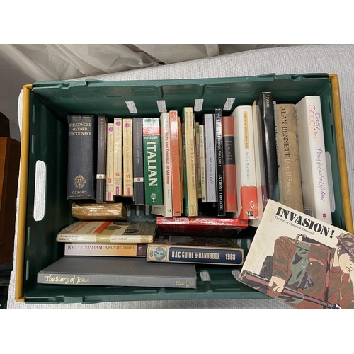 118 - CRATE OF ASSORTED BOOKS