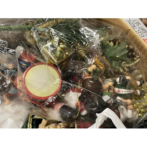 54 - ASSORTED CHRISTMAS DECORATIONS