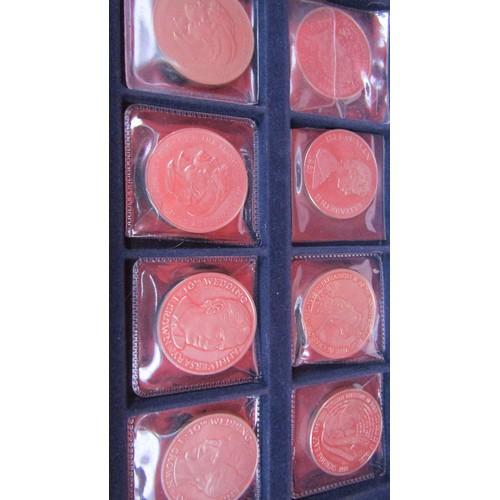 36 - 12 X COLLECTABLE COINS IN COIN CASE...