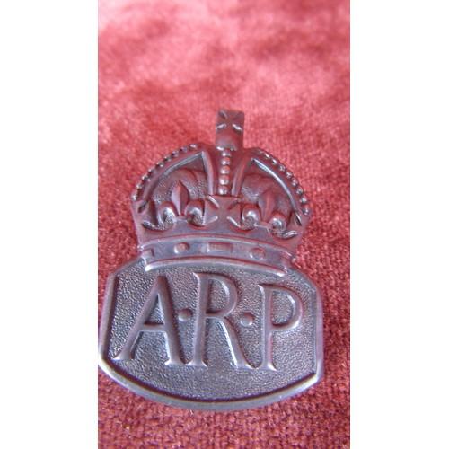 14 - HALLMARK SILVER LONDON 1938 A.R.P MILITARY BADGE...