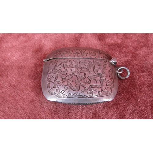 58 - HALLMARKED BIRMINGHAM 1907 SILVER VESTA CASE...