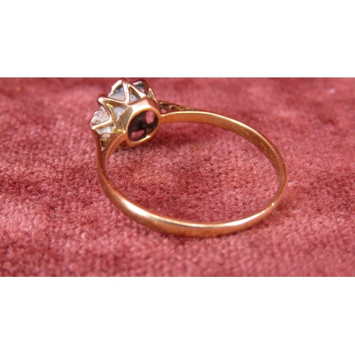 16 - 9CT GOLD RING WITH STONES SIZE P