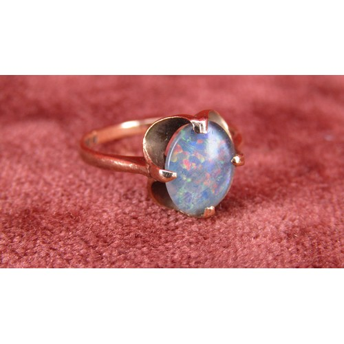 18 - 9CT GOLD RING WITH OPAL SIZE K