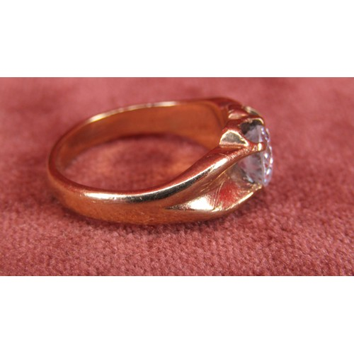 36 - A 9CT GOLD GYPSY STYLE GOLD RING WITH STONE SIZE O