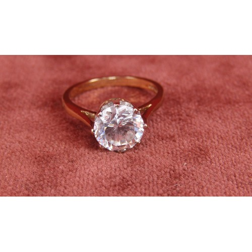 37 - 9CT GOLD RING WITH STONE SIZE M