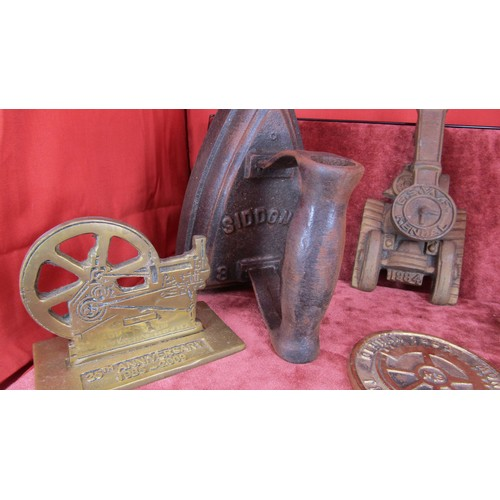 53 - COLLECTABLE BRASS MEMORABILIA INCLUDING A DOOR KNOCKER , IRONS, SHELL  AND OTHERS