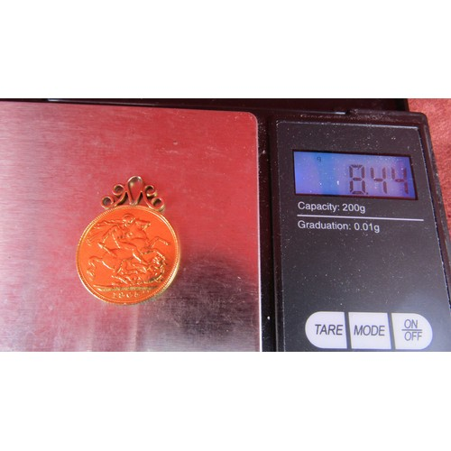 41 - 1905 GOLD SOVEREIGN WITH MOUNT 8.44G