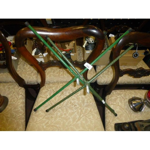 686 - 2 CHRISTMAS TREE STANDS