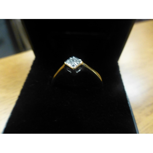 93 - 9CT GOLD AND DIAMOND RING...