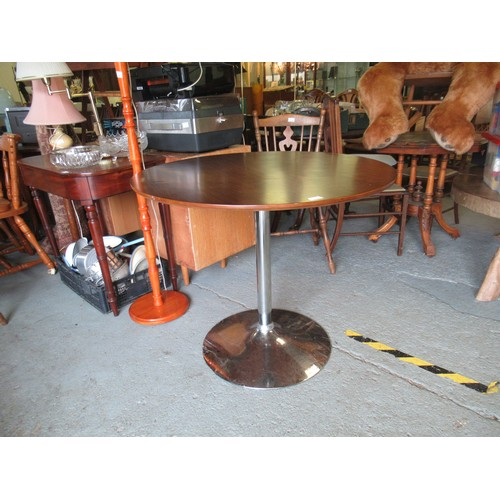 506a - Round Dining Table on Chrome Stand...
