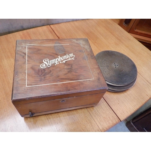 39 - A Working Antique Symphonion with 18 Discs