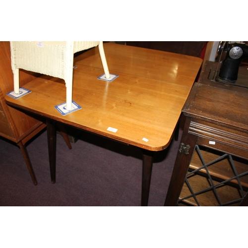 56 - 1x mahogany extending dining table...