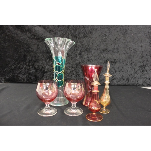 105 - selection of glass ware items...