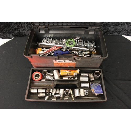 125 - 1 x small plastic tool box containing spanners sockets etc...