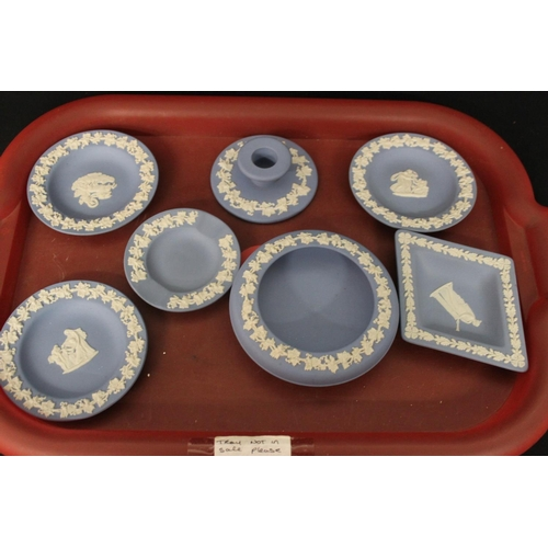 88 - 7 x various pieces of wedge wood pottery ware items...