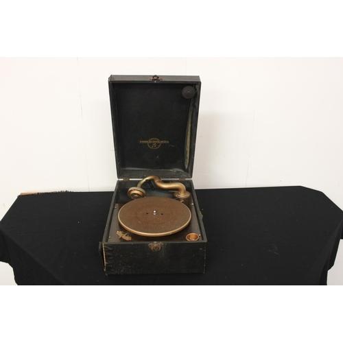 308 - 1 x vintage cased Columbia gramophone...