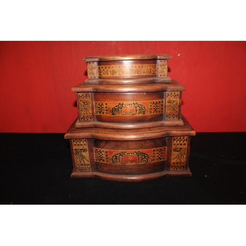 318 - 3x various size African Detailed boxes...