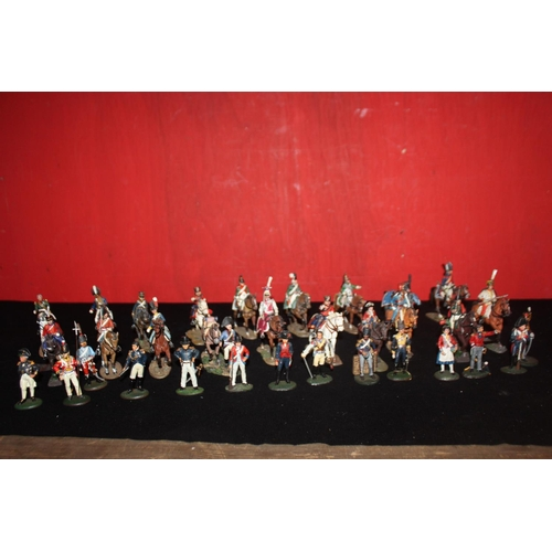 337 - Quantity of del Prado napolionic soldiers 19 mounted and 14 foot soldiers...