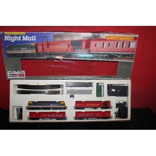 346 - Hornby 00 r591 night mail set...