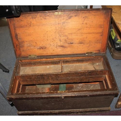 10 - 1 x large Edwardian storage box