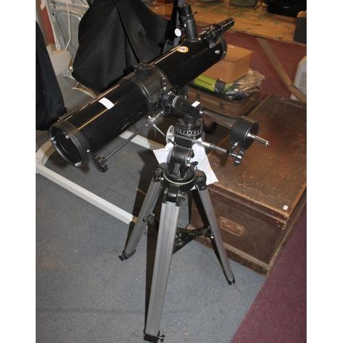 11 - 1 x Optus reflector telelscope