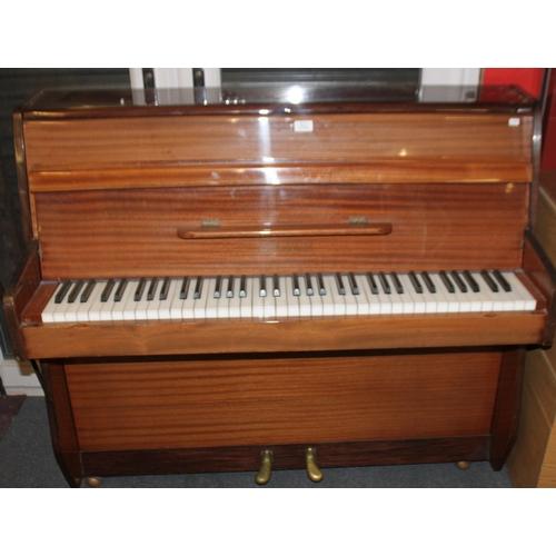 15 - 1x Zender upright piano rough age 1970s