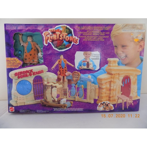 18 - Flintstones Play Set...