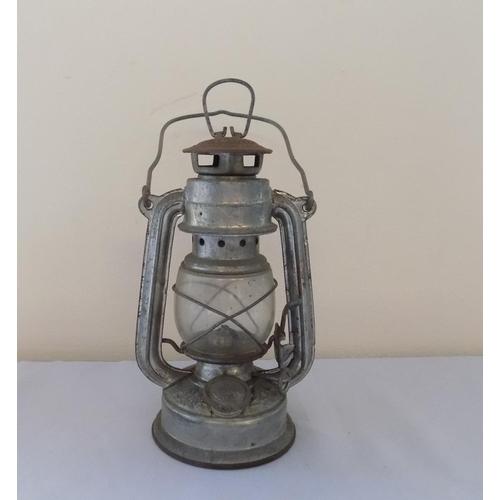 31 - Storm Lamp 20cm...