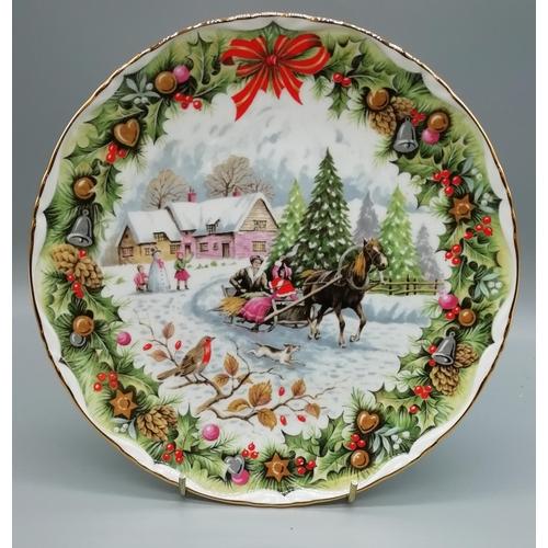 44 - Royal Albert Plate 'Christmas Sleighride' (1993)...