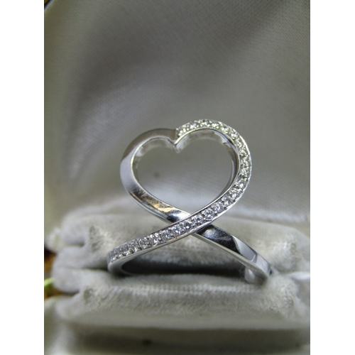 142 - 18ct WHITE GOLD DIAMOND HEART DESIGN RING, unusual 18ct gold dress ring set with diamonds in the for...