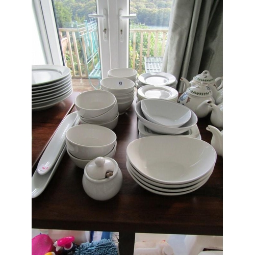43 - TABLEWARE, A selection of bowls and plates...