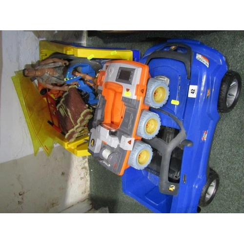 42 - ACTION MAN, Action Man 4 x4 vehicle and buggy together with figure and accessories...