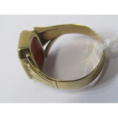 421 - 9ct YELLOW GOLD MASONIC RING, size U/V...