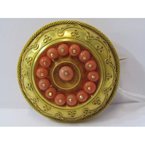 392 - CORAL BROOCH, coral set yellow metal brooch, tests high carat gold approx. 11.3grms in weight...