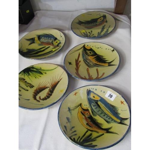 20 - CONTINENTAL POTTERY, set of 5 slipware fish decorated circular plates...